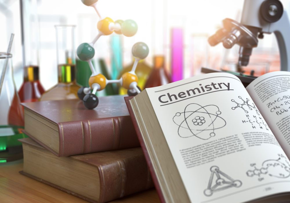 Chemistry in English after-school tutoring center